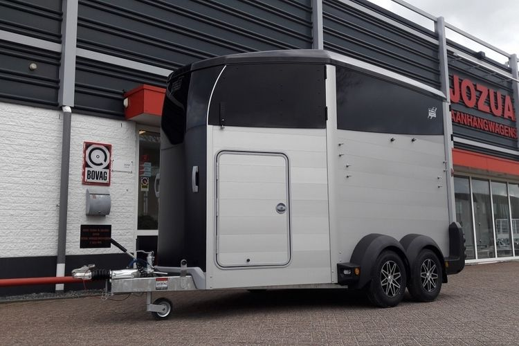 Ifor Williams HBX511 Zadelkamer Black (4)