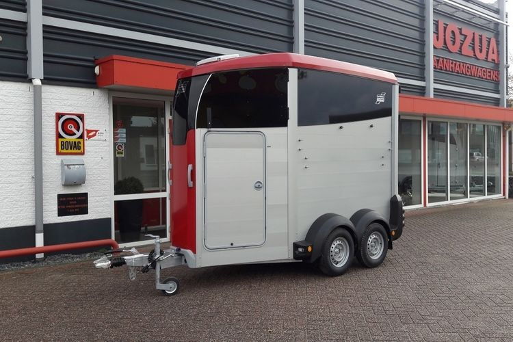 Ifor Williams HBX 403 Rood (1).jpg
